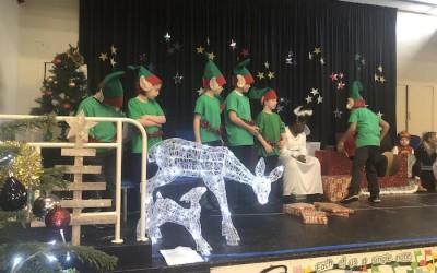 RP perform Santa's Hat